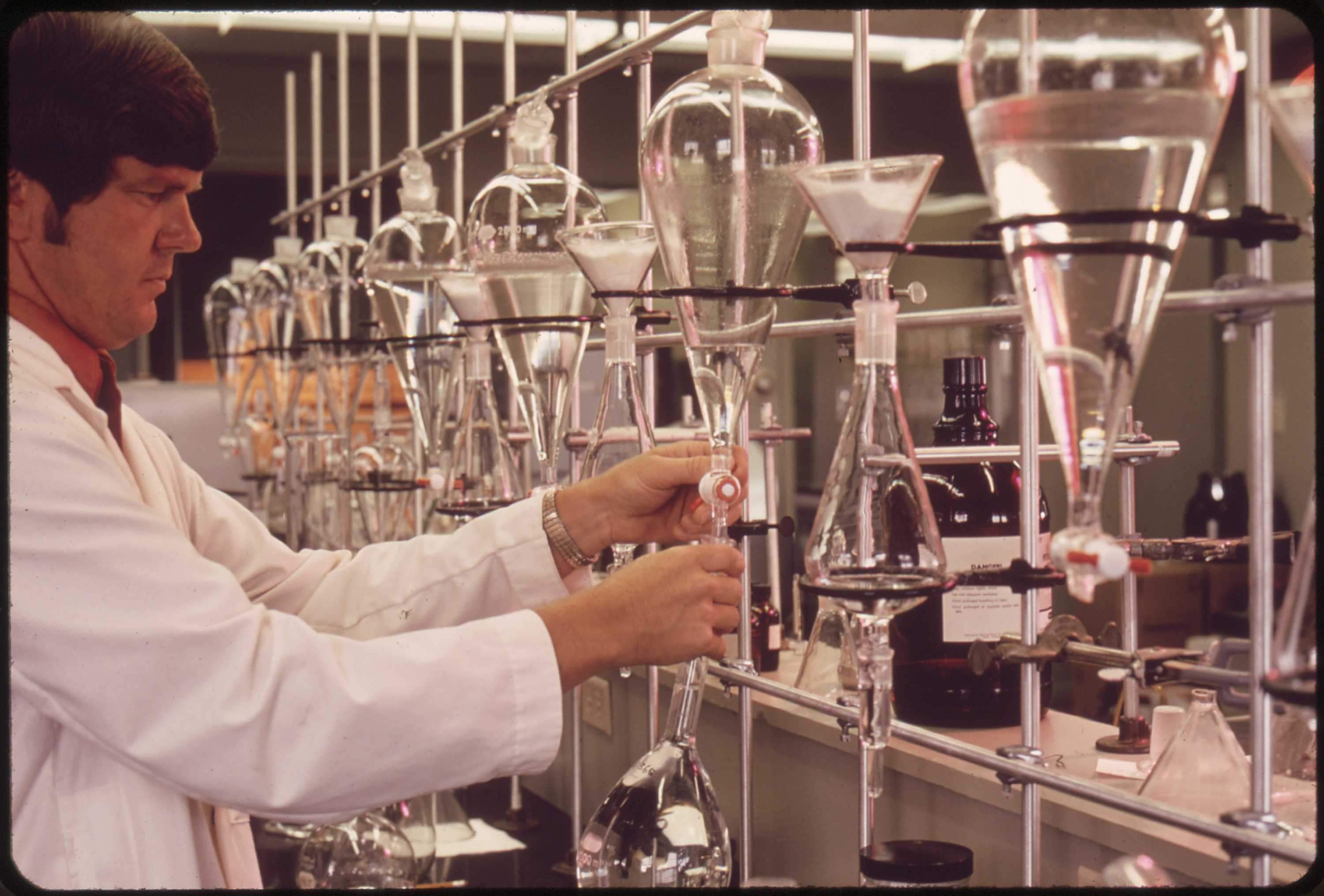 Producing Distilled Water In Laboratory