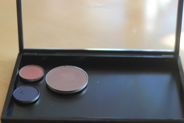 MAC Sculpting Powder in Definitive
