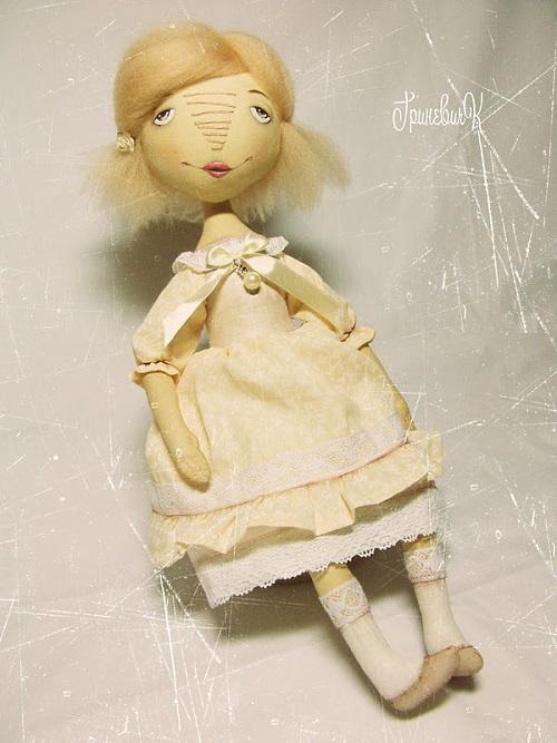 Кукла хендмейд из ткани