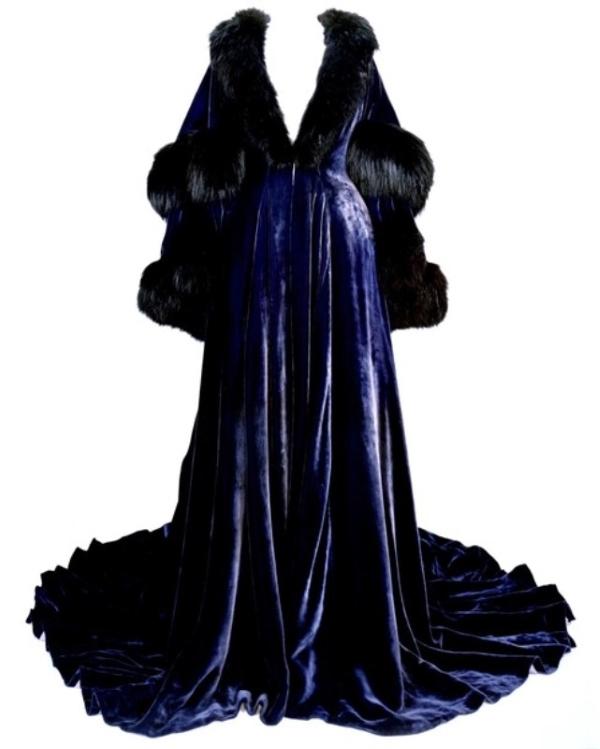 Синий халат с черной лисой
