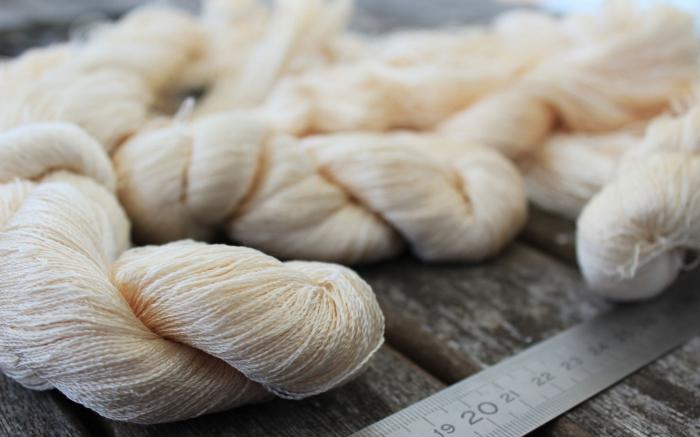 Шелковая нить для кукольных волос