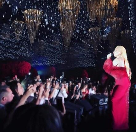 lady-gaga-wedding-singer-2017