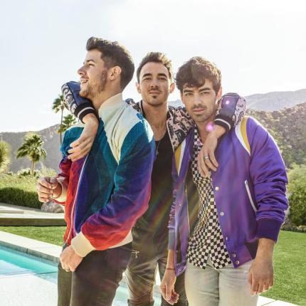 Jonas-Brothers-Sucker