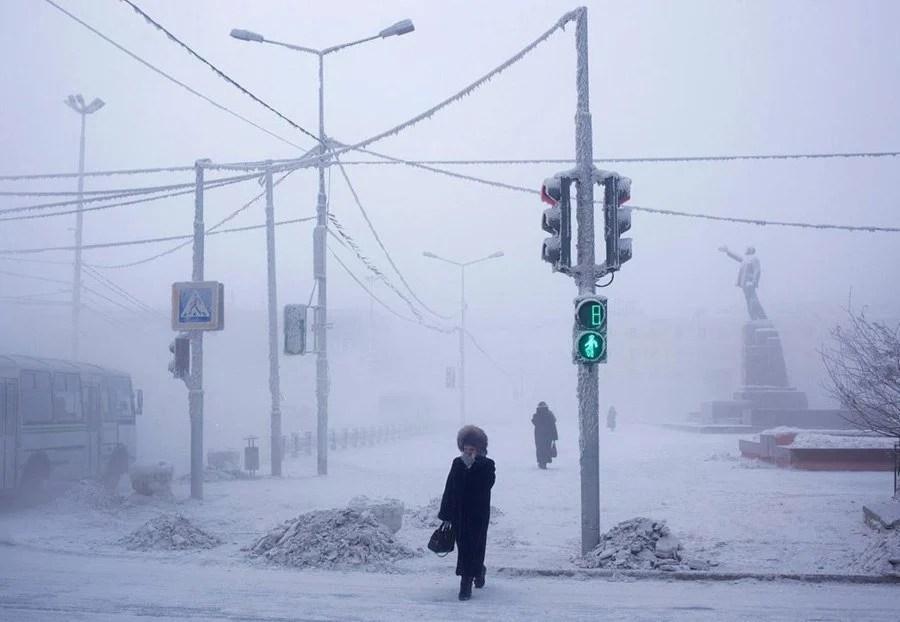 coldest city crossing light