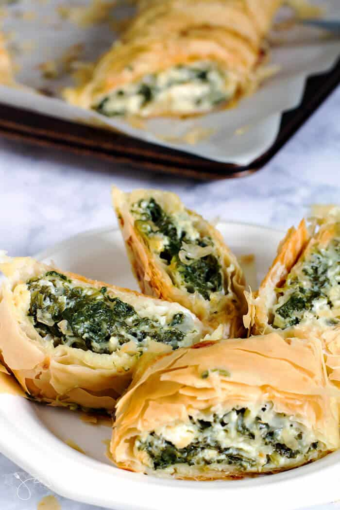 Spinakopita, fillo pastry stuffed with spinach and pie