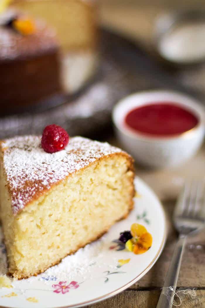 Delicious piece of French lemon yogurt cake