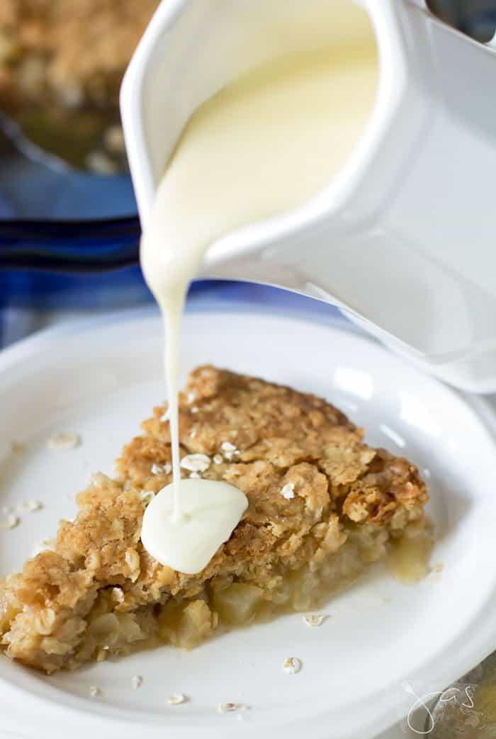 Homemade vanilla sauce goes perfectly with warm apple pie.