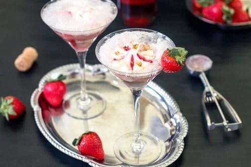 Strawberry Affogato - wine & ice cream float | All that's Jas