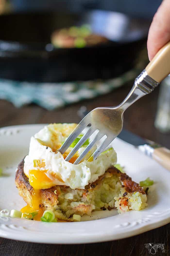 Delicious recipe for British bubble and squeak breakfast dish.