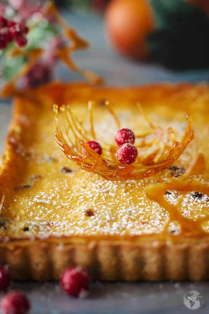 This German Cranberry Orange Cream Tart with a fruity flavor and a delicious, rich crust is an amazing and festive dessert to add to your holiday menu. | allthatsjas.com