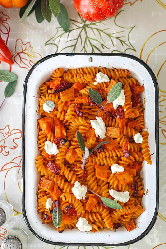 The ultimate fall-inspired comfort food this Pumpkin and Goat Cheese Fusilli Pasta Bake is a grown-up pasta casserole you'll love!   allthatsjas.com   #pastacasserole #fusillibake #pumpkin #goatcheese #vegetarian #falldish #side