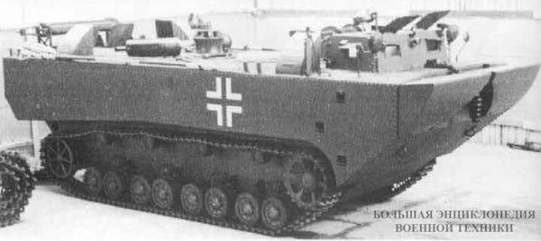 Panzerfähre - прототип бронированного парома на ходовых испытаниях, 1942 год.
