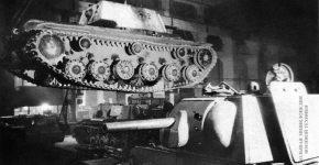 Ремонт танков КВ-1 на одном из заводов