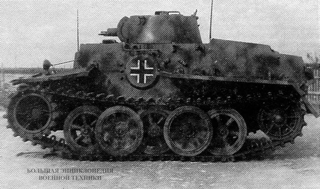 Танк Pz.Kpfw.l Ausf.C - вид сбоку
