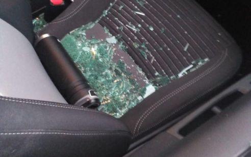 נזק לשמשת רכב בפיגוע אבנים סמוך לצומת אפרת