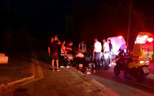 בן 20 נפצע קשה לאחר שהתנגש עם רכבו במעגל תנועה בבאר שבע