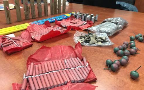 תושב נתניה עוכב בחשד כי החזיק בביתו צעצועים מסוכנים