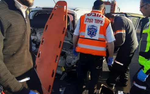 אישה נפצעה קשה ו-2 בינוני בתאונה עם מעורבות שני כלי רכב בסמוך למחלף קרית גת