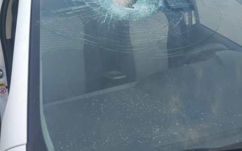 פצוע קל בפיגוע אבנים בכביש 5 סמוך לגשר בצומת גיתי אבישר