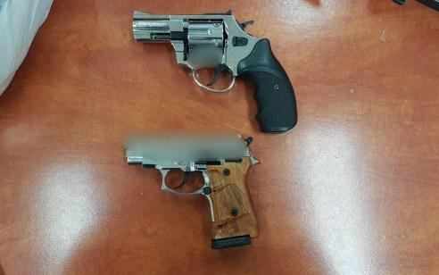 אקדחים,תחמושת וסמים מסוכנים נתפסו במבצע סיכול סחר בנשקים – 5 חשודים נעצרו