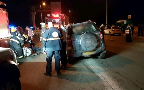 אישה כבת 40 נהרגה ו-2 נפצעו קל בתאונה בין אוטובוס לשני רכבים בצומת טללים