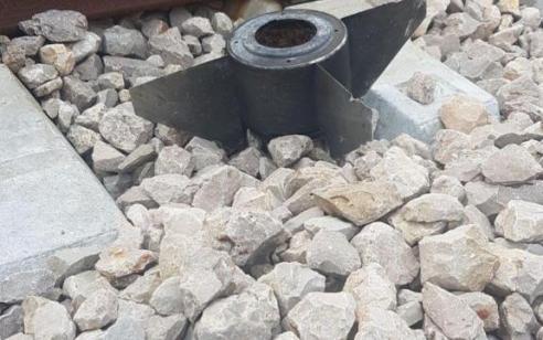 בשל נפל שנתגלה בסמוך למסילת הרכבת באיזור שדרות הופסקה תנועת הרכבות בין אשקלון לשדרות