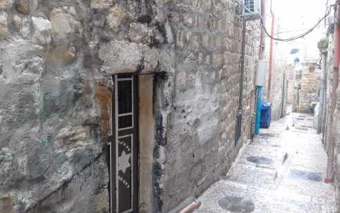 ערבים שהציתו מתחם מגורים בעיר העתיקה ישלמו פיצויים