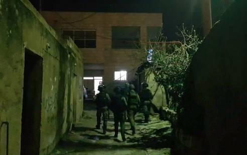 הלילה נעצרו 13 מבוקשים פעילי טרור