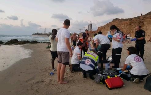 גבר כבן 30 נמשה מחוסר הכרה מהים בתל אביב – מצבו קשה