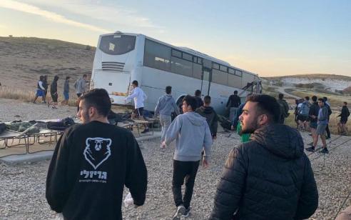 הרוג וחמישה פצועים בינוני וקל בהתדרדרות אוטובוס סמוך לקיבוץ שומריה – הנהג עוכב לחקירה