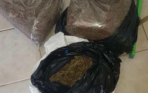 הכלבים שמרו על הסמים: 5 קילו מריחואנה אותר בתוך מלונה ברמת פנקס – אב ובנו נעצרו