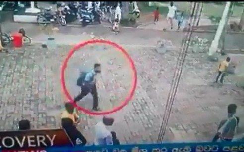 תיעוד: המחבל המתאבד בסרי לנקה נכנס לכנסייה ומתפוצץ – עלה ל310 מנין ההרוגים