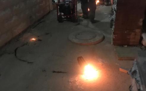 סוללת אופניים חשמליות גרמה לשריפה בדירה – 2 דיירי הבית נפצעו קל