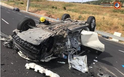 בדרך חזרה ממירון: 5 פצועים קשה ובינוני, בהם פעוט בין שנתיים, בתאונה בין 2 רכבים ומשאית בכביש 70