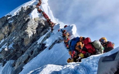 5 בני אדם נהרגו בהר האוורסט בימים האחרונים בשל עומס מטיילים