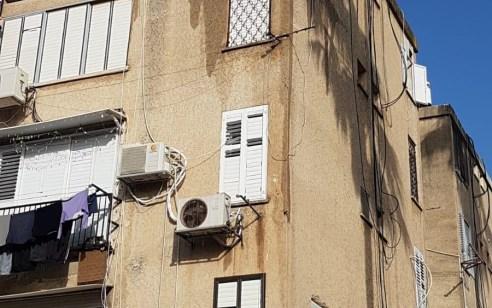 ארבעה צוותי כיבוי פעלו בשריפת בבנין בעכו – אישה פונתה במצב קל