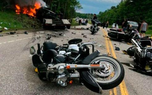 """ארה""""ב: רכב שסטה מנתיבו בארה""""ב פגע ברוכבים והשאיר חורבן – 7 הרוגים בתאונה המחרידה"""