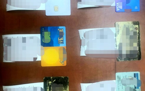 בפעילות סמויה נגד כנופיית זייפני כרטיסי אשראי: נעצרו אתמול שני חשודים כשברשותם עשרות כרטיסי אשראי מזוייפים