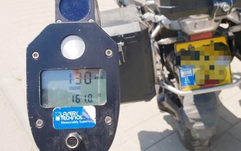 תל אביב: נעצר רוכב אופנוע ש'טס' ברחובות העיר – רשיונו נפסל והוא זומן לשיפוט מהיר