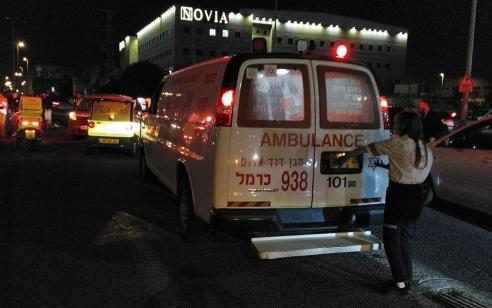 צעיר כבן 20 אותר סמוך לבניין נטוש בחיפה כשהוא מחוסר הכרה ופצוע – מצבו קשה