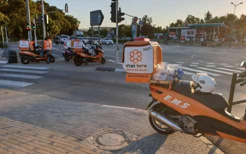 אשדוד: ילדה בת 11 נפצעה קשה ואדם נוסף קל לאחר שרכב פרטי פגע ברכב מסחרי שעמד בצד הדרך