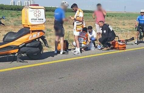 8 פצועים במצב קל, בהם 5 ילדים, בתאונה בכביש 6 סמוך לעירון