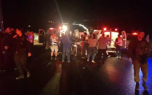 הרוג וחמישה פצועים בתאונה בין מונית לרכב בכביש 6531 סמוך לצומת בית חנניה