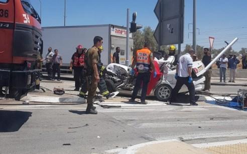 2 הרוגים ופצוע בינוני בתאונה בין משאית לרכב בכביש 40 סמוך לרמת בקע