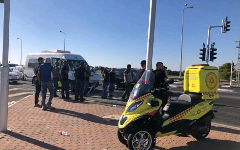 ארבעה עשר פצועים, בהם אחד קשה, בתאונה בין מיניבוס לרכב מסחרי בכביש 57 סמוך לכפר יונה