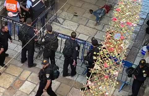 פיגוע דקירה בירושלים: שוטר כבן 30 נפצע בינוני סמוך לשער השלשלת בעיר העתיקה – מחבל חוסל וחברו במצב אנוש