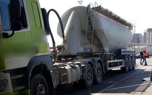 הולכת רגל כבת 25 נהרגה מפגיעת משאית סמוך לנמל אשדוד