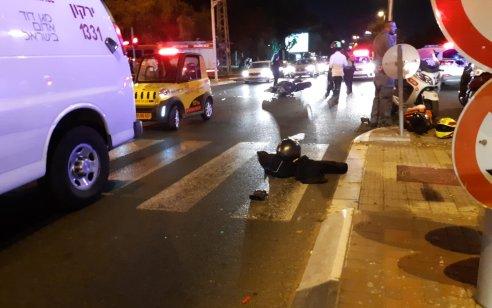 רוכב אופנוע בן 59 נפצע קשה מפגיעת רכב בתל אביב
