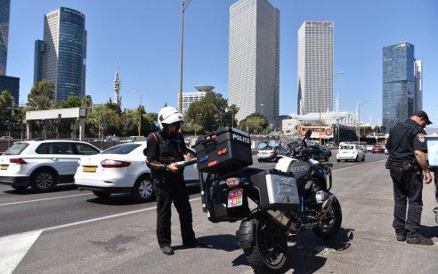 """במהלך השבוע האחרון נרשמו למעלה מ-6000 דו""""חות תנועה, כ-1200 מהם בגין שימוש בטלפון נייד בזמן נהיגה"""