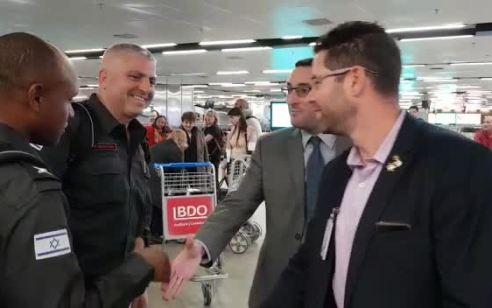 גאווה ישראלית: משלחת כבאים ישראלים שהגיעו לכיבוי השריפות באמזונס שבברזיל התקבלו בתשואות רבות